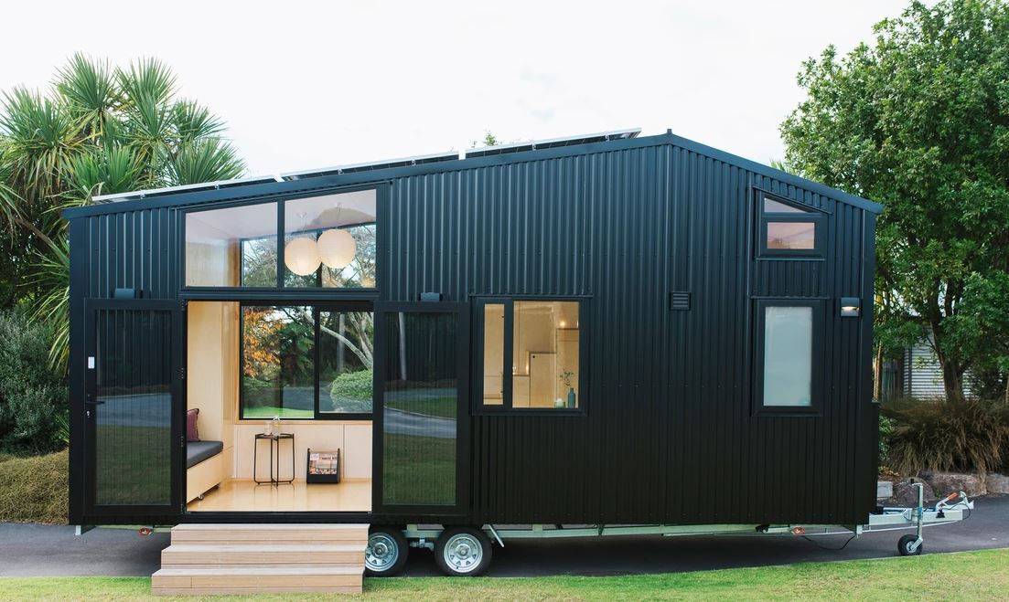 Off-grid tiny house
