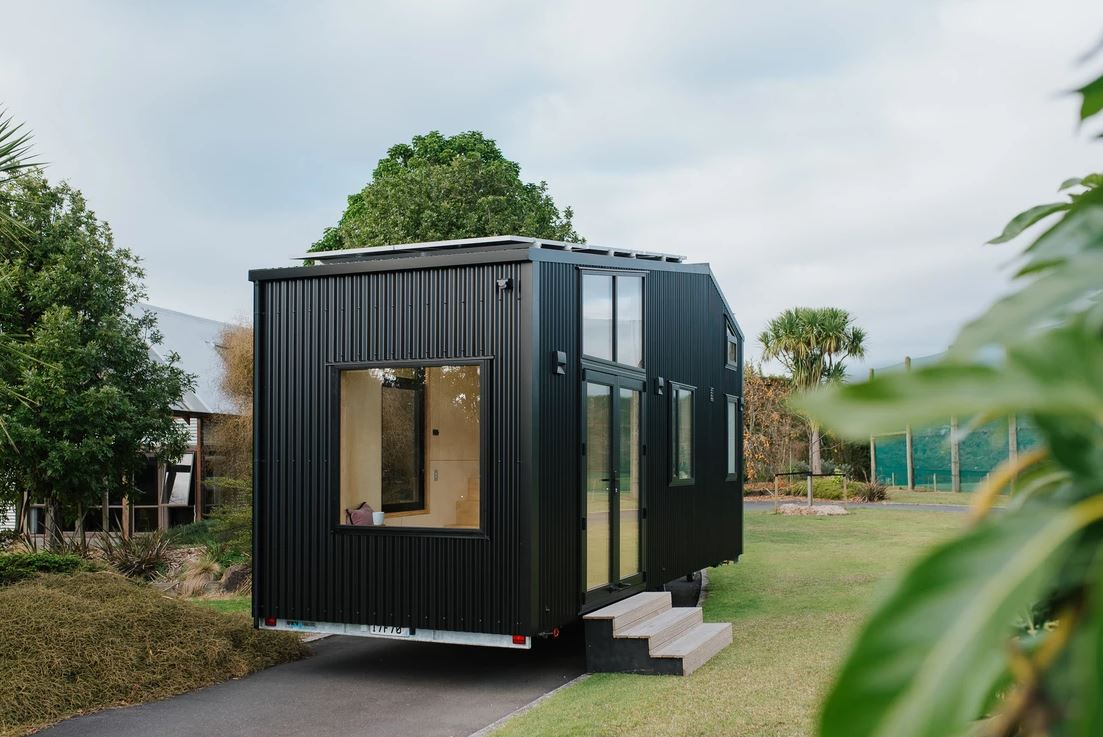 off grid tiny house 12