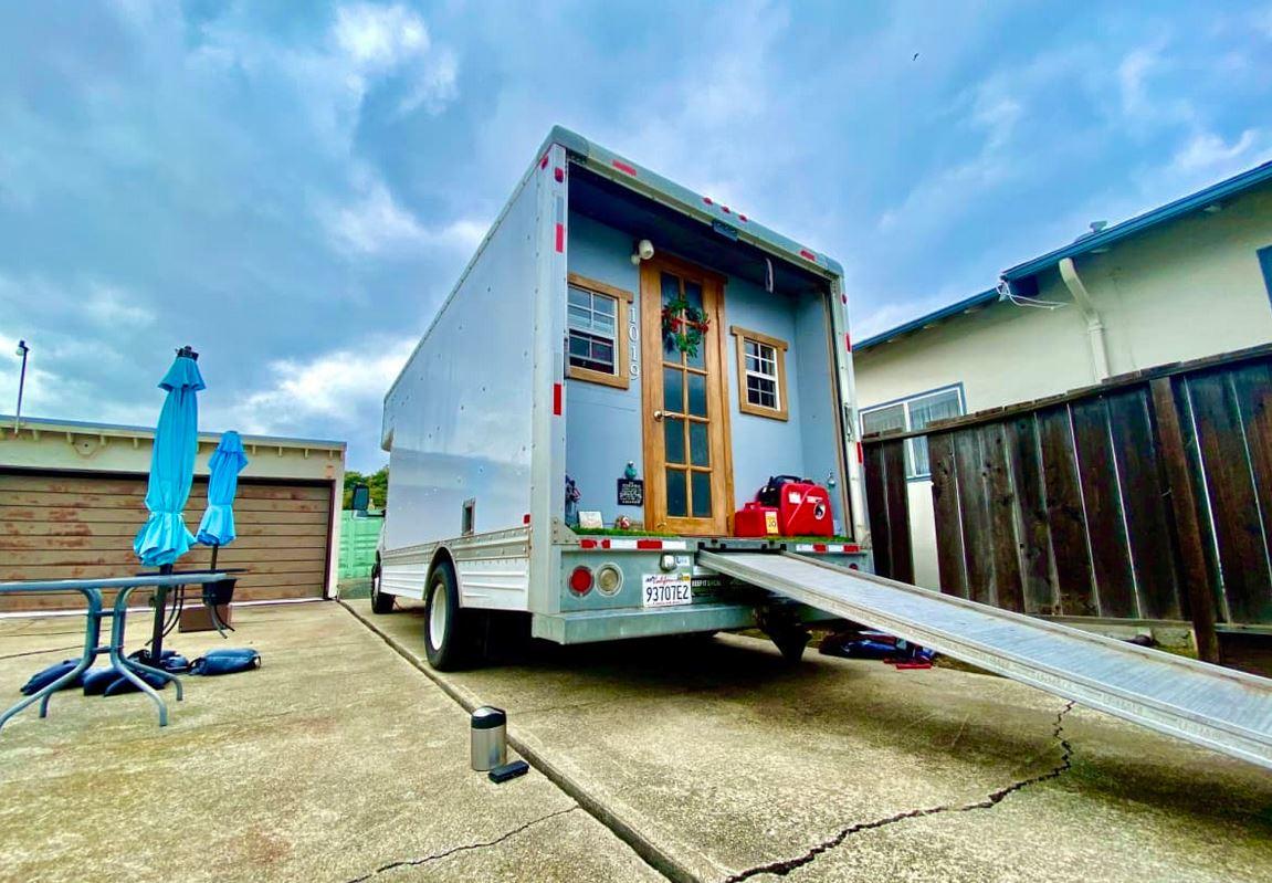 Unique Tiny House on wheels