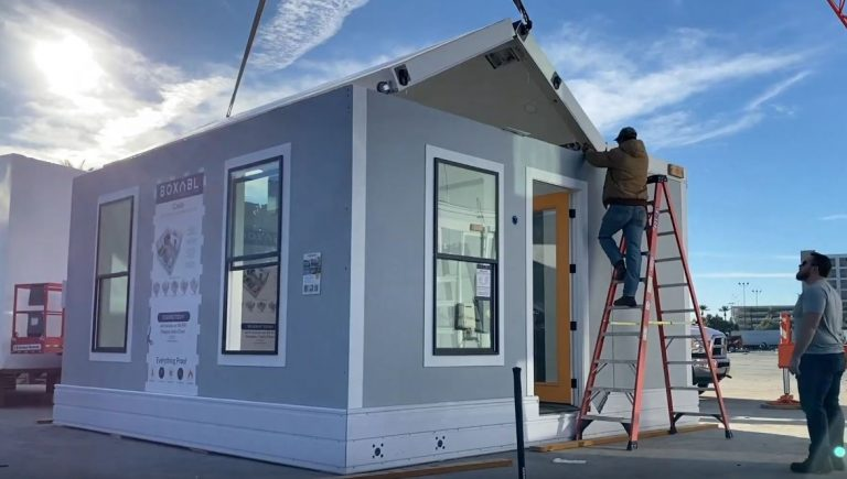 unfolding tiny house