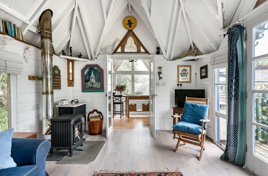Tiny house airbnb England